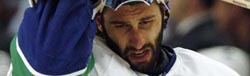 Canucks - Luongo : end of game six